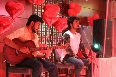 Singers for Valentine day