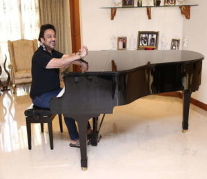 hire grand piano musician for wedding and corporate event