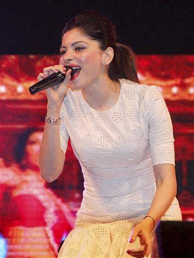 Kanika Kapoor Hire Book For Corporate Event Live