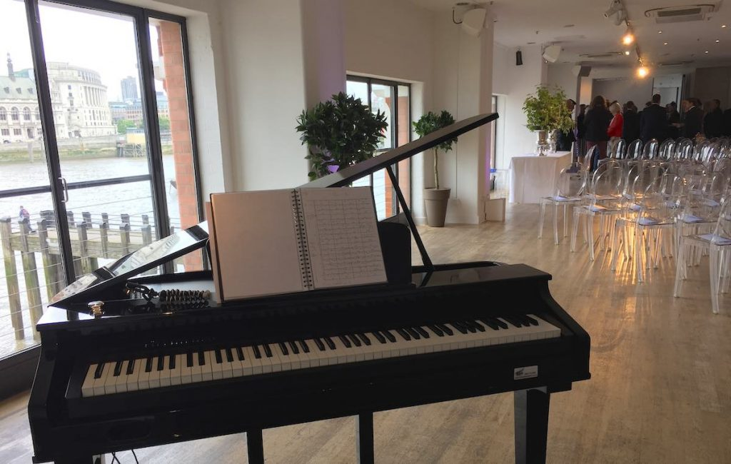 Piano Musician for Wedding
